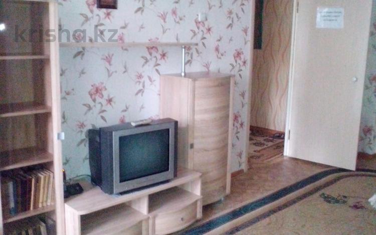 1-комнатная квартира, 40 м², 2/5 этаж посуточно, проспект Республики 40 за 6 000 〒 в Нур-Султане (Астана), Алматы р-н