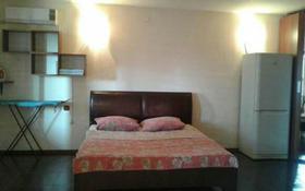 1-комнатная квартира, 54 м² посуточно, Сазда 76 — Абулхаир хана за 6 000 〒 в Актобе