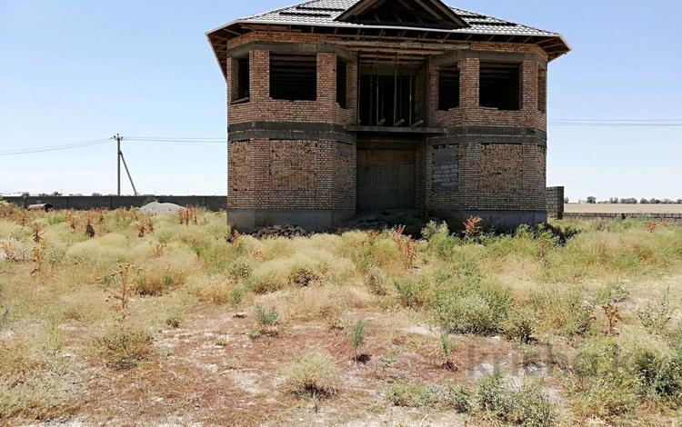 8-комнатный дом, 400 м², 24 сот., Нұртас за 32 млн ₸ в Шымкенте, Каратауский р-н