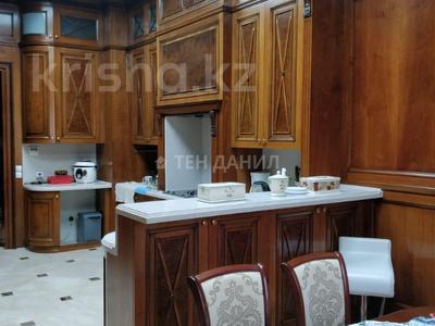 4-комнатная квартира, 210 м², 1/3 этаж, Керей-Жаныбек Хандар за 260 млн 〒 в Алматы, Медеуский р-н — фото 7