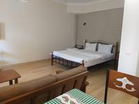 1-комнатная квартира, 56 м², 1/4 этаж посуточно