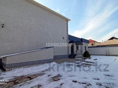 8-комнатный дом, 350 м², 6 сот., мкр Шапагат , Самурык за 50 млн 〒 в Шымкенте, Енбекшинский р-н — фото 2