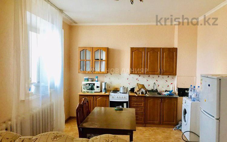 2-комнатная квартира, 60 м², 9/9 этаж, Акмешит — Орынбор за 19.8 млн 〒 в Нур-Султане (Астана), Есиль р-н