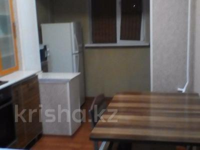 2-комнатная квартира, 58 м², 2/5 эт. посуточно, 8 20 за 4 000 ₸ в Актау — фото 2