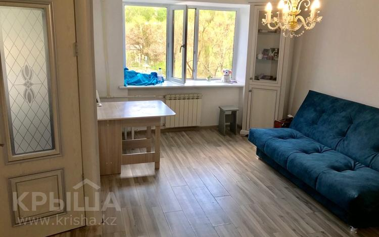 1-комнатная квартира, 33 м², 3/5 эт., Бухар жырау 44 за 8.5 млн ₸ в Караганде, Казыбек би р-н
