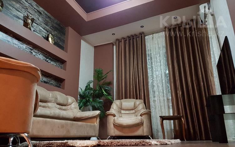 2-комнатная квартира, 68 м², 10/10 этаж посуточно, Байтурсынова — Маделикожа за 15 000 〒 в Шымкенте, Аль-Фарабийский р-н