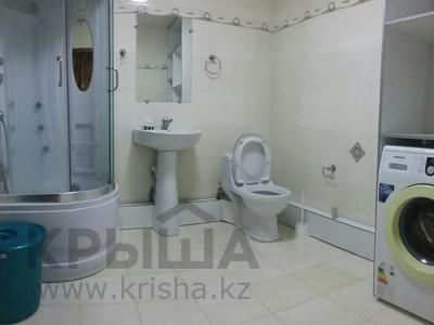 3-комнатная квартира, 120 м², 8/10 эт. посуточно, 17-й мкр за 16 000 ₸ в Актау, 17-й мкр — фото 7