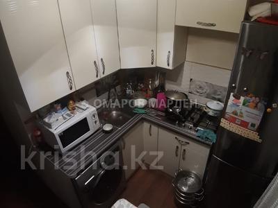 2-комнатная квартира, 43 м², 3/5 этаж, мкр Аксай-2 — Момышулы за 17.5 млн 〒 в Алматы, Ауэзовский р-н