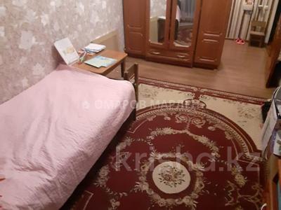 2-комнатная квартира, 43 м², 3/5 этаж, мкр Аксай-2 — Момышулы за 17.5 млн 〒 в Алматы, Ауэзовский р-н — фото 3