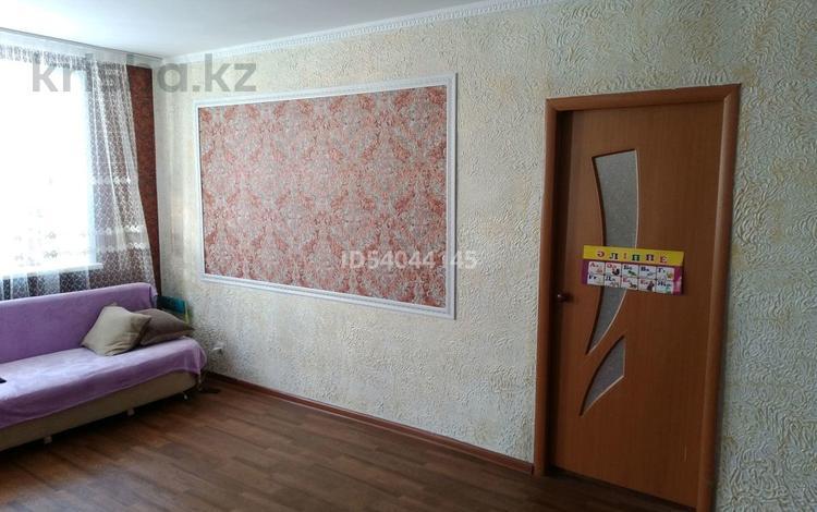 2-комнатная квартира, 46.6 м², 2/5 этаж, Желтоксан — Ауэзова за 4.3 млн 〒 в Аксу