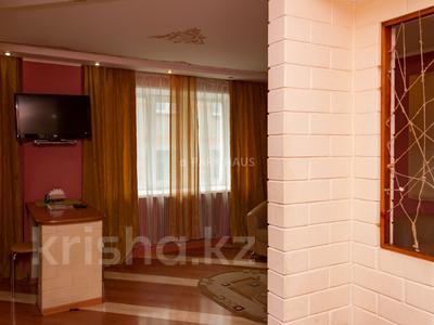 1-комнатная квартира, 48 м², 3/5 эт. посуточно, Интернациональная 77 — Москва за 6 000 ₸ в Петропавловске — фото 8