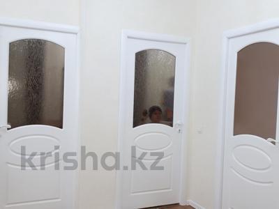 2-комнатная квартира, 70 м², 6/9 эт. посуточно, Абая 62а — Капал ЛЮКС за 10 000 ₸ в  — фото 7