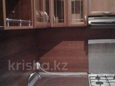 2-комнатная квартира, 60 м², 1/4 эт. помесячно, Гагарина за 70 000 ₸ в Шымкенте, Абайский р-н — фото 3