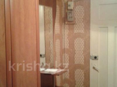 2-комнатная квартира, 60 м², 1/4 эт. помесячно, Гагарина за 70 000 ₸ в Шымкенте, Абайский р-н — фото 9