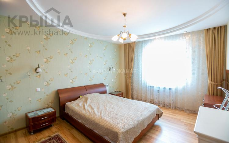 4-комнатная квартира, 127 м², 12/14 этаж, проспект Кабанбай Батыра за 35.6 млн 〒 в Нур-Султане (Астана), Есиль р-н