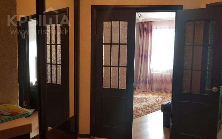 1-комнатная квартира, 54 м², 12/15 этаж посуточно, Сарайшык 5Е — Акмешит за 8 000 〒 в Нур-Султане (Астана), Есильский р-н