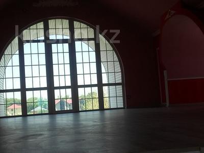 6-комнатный дом, 400 м², 6 сот., мкр Алатау, Аль-Фараби — Розыбакиева за 280 млн 〒 в Алматы, Бостандыкский р-н