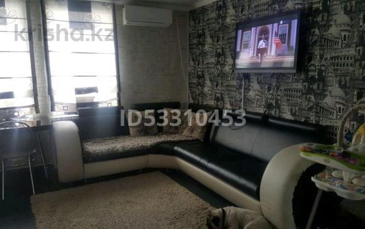 3-комнатная квартира, 90 м², 5/5 этаж посуточно, Набережная улица 84 за 12 000 〒 в Щучинске
