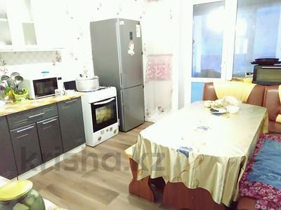 3-комнатная квартира, 98 м², 3/6 эт., Республика 92 за 16 млн ₸ в Косшах — фото 2