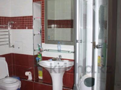 5-комнатная квартира, 220 м², 6/10 эт. помесячно, Достык 116 — Сатпаева за 750 000 ₸ в Алматы, Медеуский р-н — фото 10