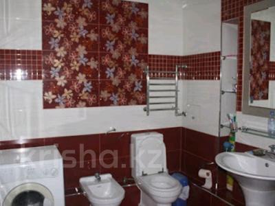 5-комнатная квартира, 220 м², 6/10 эт. помесячно, Достык 116 — Сатпаева за 750 000 ₸ в Алматы, Медеуский р-н — фото 11