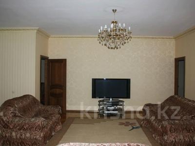 5-комнатная квартира, 220 м², 6/10 эт. помесячно, Достык 116 — Сатпаева за 750 000 ₸ в Алматы, Медеуский р-н — фото 4