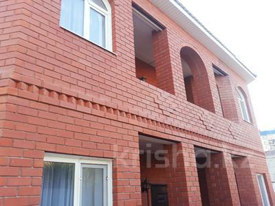 8-комнатный дом, 240 м², 8 сот., Жилгородок за 110 млн 〒 в Атырау — фото 2