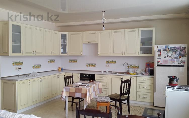 6-комнатный дом, 270 м², 8 сот., Курмангалиева за 96 млн ₸ в Алматы, Медеуский р-н