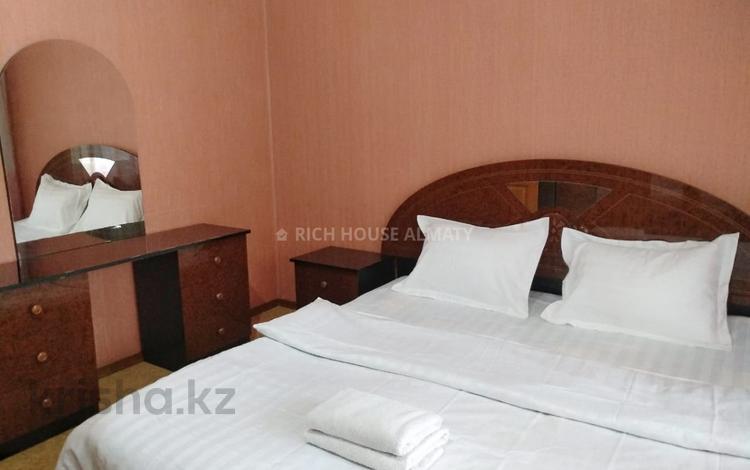 2-комнатная квартира, 55 м², 3/5 этаж посуточно, Гоголя 13 — Каирбекова за 12 000 〒 в Алматы, Медеуский р-н