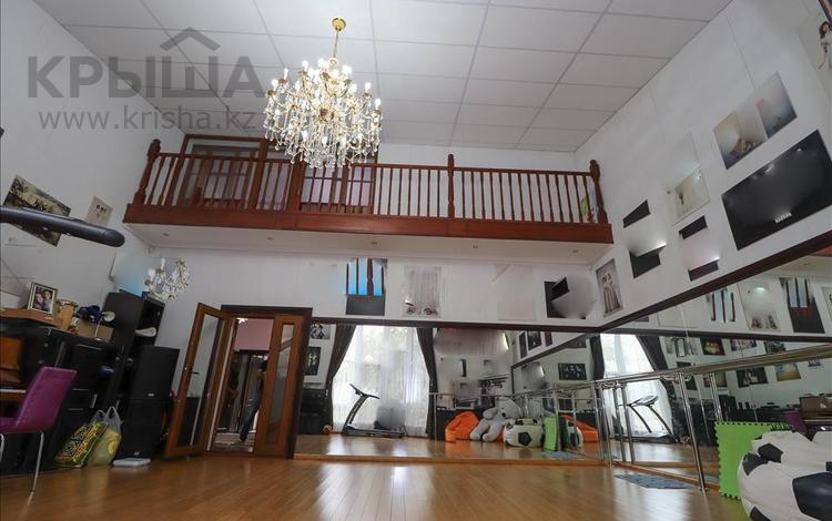 6-комнатный дом, 400 м², 12 сот., мкр Хан Тенгри, Аль-Фараби — Дулати Мухаммеда Хайдар (Безымянная) за 140 млн 〒 в Алматы, Бостандыкский р-н