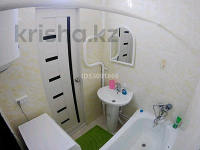 1-комнатная квартира, 39 м² посуточно, проспект Металлургов 7/4а за 5 000 〒 в Темиртау — фото 5