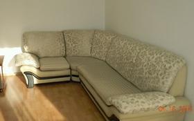 2-комнатная квартира, 47 м², 2 этаж посуточно, Пр.Нуркен Абдирова 33 — Гоголя за 6 000 〒 в Караганде, Казыбек би р-н