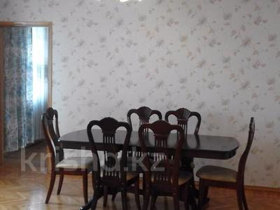 2-комнатная квартира, 48 м², 2/5 эт. помесячно, мкр №3, Саина 13 — проспект Улугбека за 90 000 ₸ в Алматы, Ауэзовский р-н