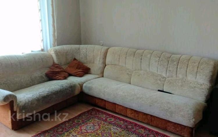 2-комнатная квартира, 52 м², 10/10 этаж, Степной-4 12 за 12.5 млн 〒 в Караганде, Казыбек би р-н