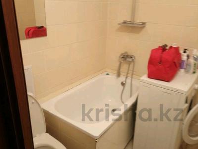 1-комнатная квартира, 35 м², 3/5 этаж помесячно, Есемберлина за 90 000 〒 в Нур-Султане (Астана), Сарыаркинский р-н