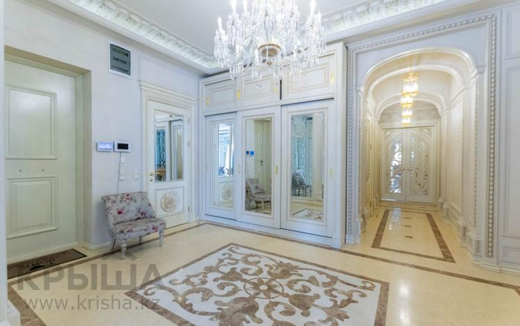 4-комнатная квартира, 225 м², 3/6 этаж, Сыганак 14/1 за 385 млн 〒 в Нур-Султане (Астана)