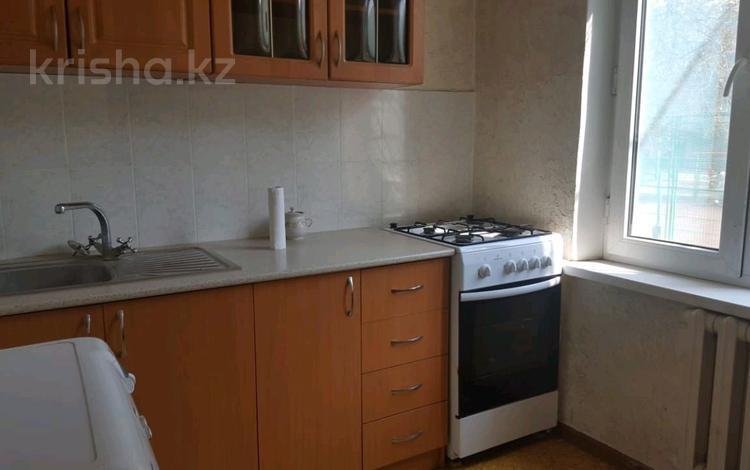 1-комнатная квартира, 33 м², 2/5 эт. помесячно, мкр Орбита-2 19 — Аль-фараби за 75 000 ₸ в Алматы, Бостандыкский р-н