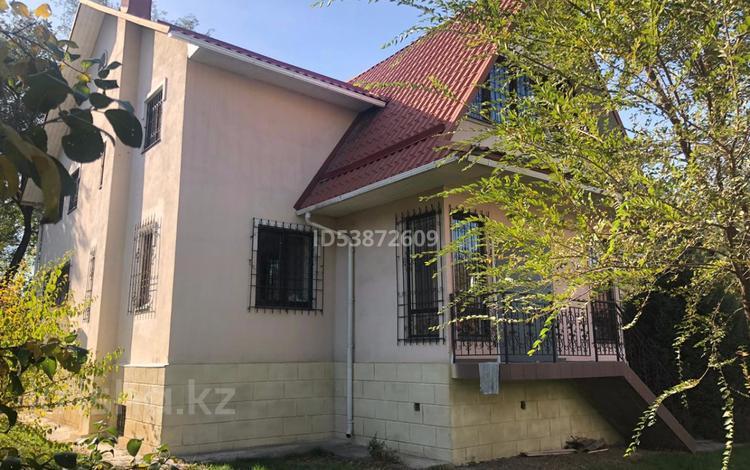 8-комнатный дом помесячно, 385 м², 10 сот., Сырмак 44а за 1 млн 〒 в Алматы, Медеуский р-н