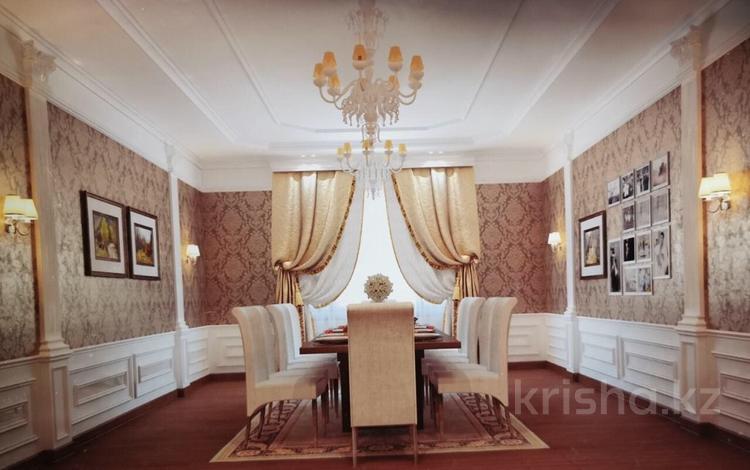 6-комнатный дом, 275 м², 8 сот., Северо-Запад 22 — Аргынбекова за 80 млн 〒 в Шымкенте, Абайский р-н