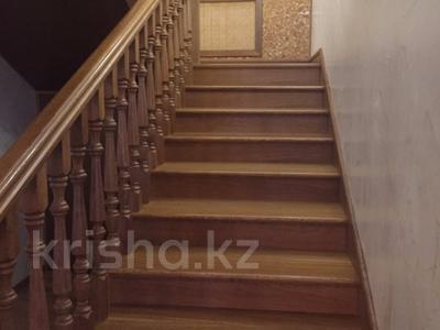 7-комнатный дом, 300 м², 8 сот., мкр Карагайлы, Ерубаева 31 за 82 млн 〒 в Алматы, Наурызбайский р-н — фото 16