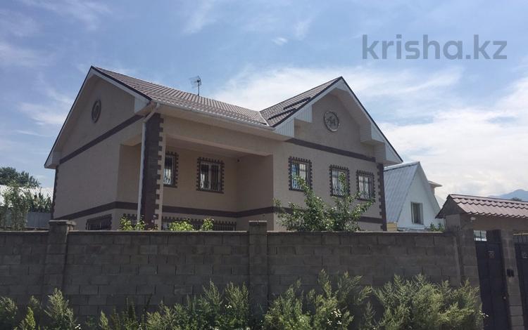 7-комнатный дом, 300 м², 8 сот., мкр Карагайлы, Ерубаева 31 за 82 млн 〒 в Алматы, Наурызбайский р-н