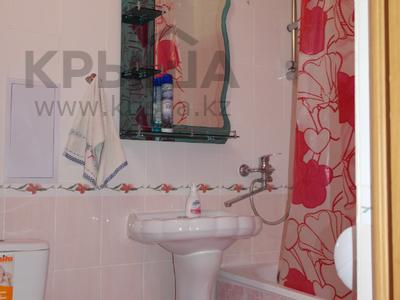 1-комнатная квартира, 30 м², 1/5 эт. посуточно, Карбышева 62 — проспект Абулхаир Хана за 6 000 ₸ в Уральске — фото 3