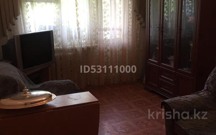 2-комнатная квартира, 44.4 м², 4/5 этаж, Строителей за 11.8 млн 〒 в Караганде, Казыбек би р-н