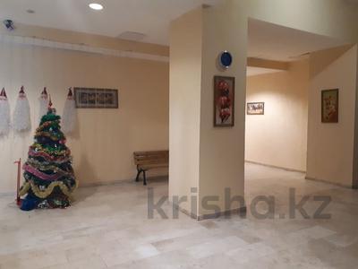 4-комнатная квартира, 160 м², 16/18 этаж, Кенесары 44 за 46 млн 〒 в Нур-Султане (Астана), Алматы р-н — фото 3