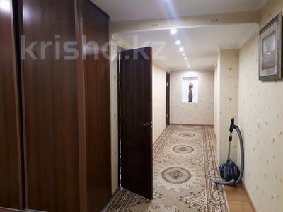 4-комнатная квартира, 160 м², 16/18 этаж, Кенесары 44 за 46 млн 〒 в Нур-Султане (Астана), Алматы р-н — фото 9