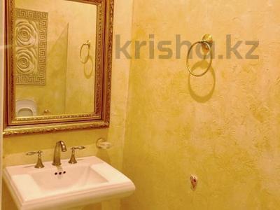 3-комнатная квартира, 135 м², 4/6 этаж, проспект Назарбаева 301 — Кажымукана за 95 млн 〒 в Алматы, Медеуский р-н — фото 8