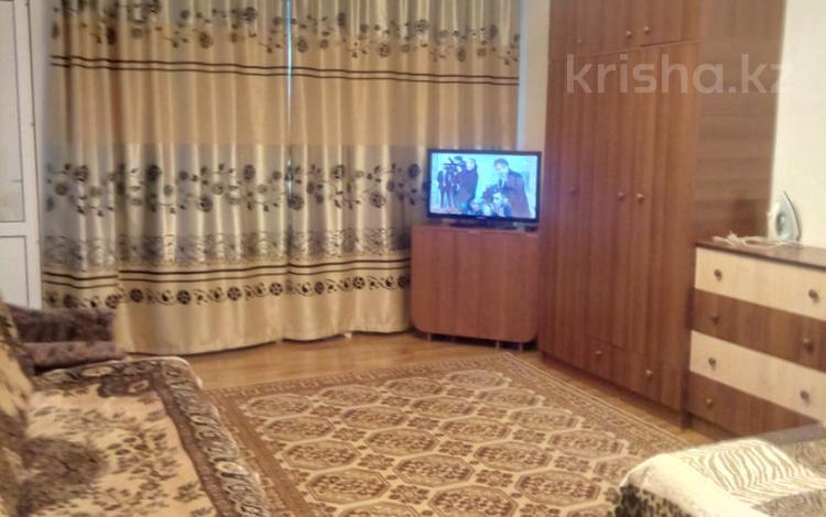 1-комнатная квартира, 45 м², 15/17 эт. посуточно, мкр Мамыр-1, Спутник 29/6 за 7 000 ₸ в Алматы, Ауэзовский р-н