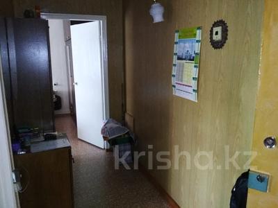 2-комнатная квартира, 50 м², 3/9 эт., проспект Республики 32 — проспект Шахтеров за 12 млн ₸ в Караганде, Казыбек би р-н — фото 3