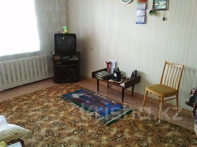 2-комнатная квартира, 50 м², 3/9 эт., проспект Республики 32 — проспект Шахтеров за 12 млн ₸ в Караганде, Казыбек би р-н — фото 11