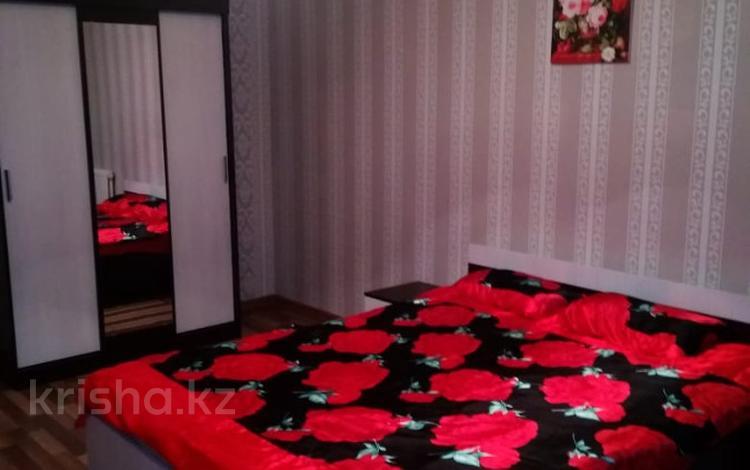 1-комнатная квартира, 45 м², 4/5 этаж посуточно, Микрорайон Аса (10) 10 за 4 000 〒 в Таразе